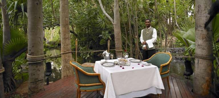 The Cascades Hotel - African Wildlife Safaris