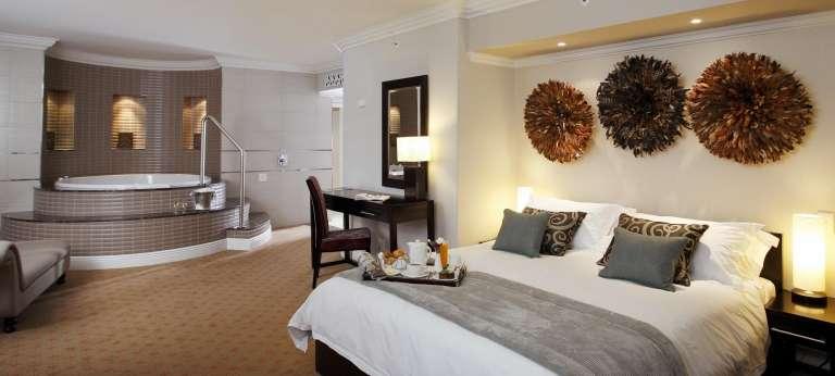 Sun City & Madikwe Luxury Safari (SA 6 days)