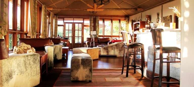 Lounge Bar at Buffalo Luxury Camp in Serengeti National Park, Tanzania