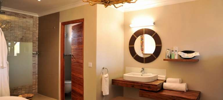 Victoria Falls Safari Club bathroom, Zimbabwe