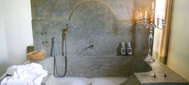 The badt tub at Olive Grove Guest House, Namibia