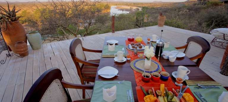 Samburu's Special Five, rhino and bongo (EA 8 days)