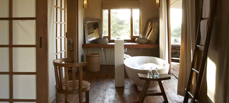 The bathroom view at Sayari Camp, Accomodation, Serengeti