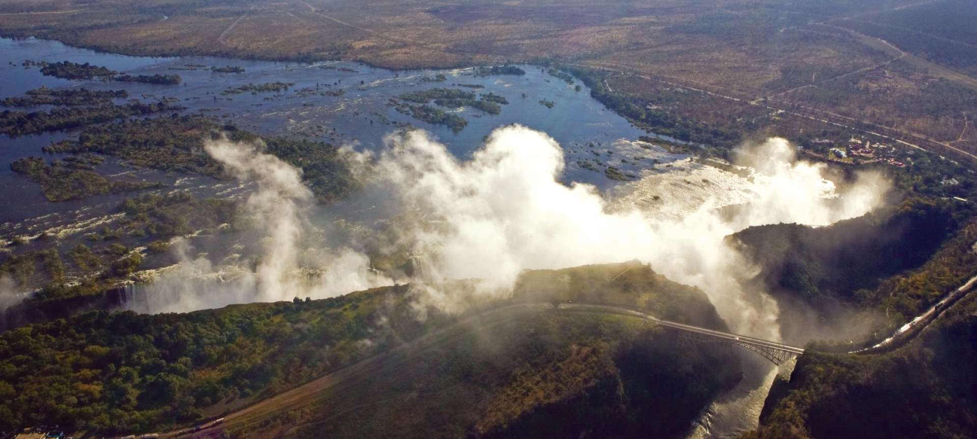 Vic Falls - the smoke that thunders