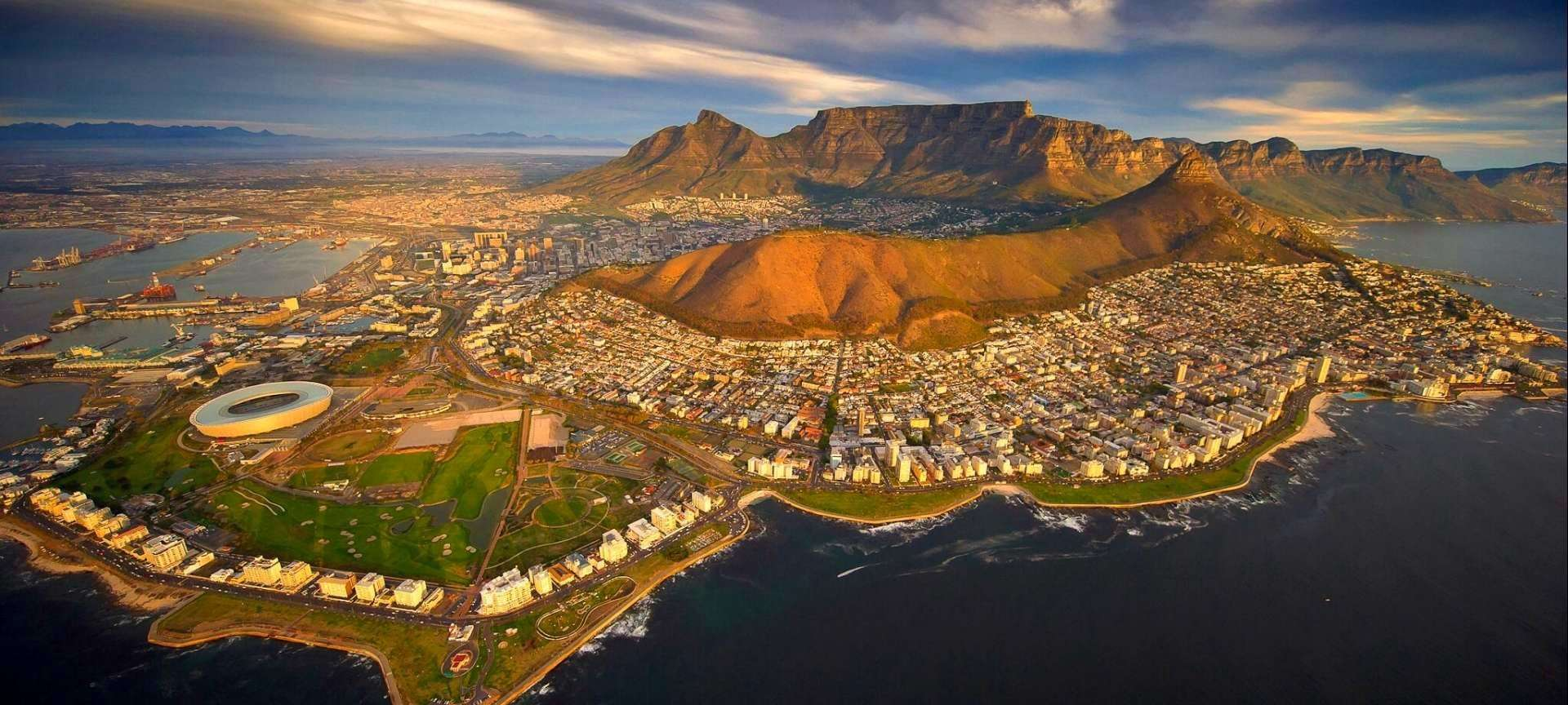 come visit south africa South africa's twin coastlines extend for more than 1,600 miles/ 2,500 kilometers and offer an unlimited array of activities the best time to visit depends mostly on what you want to do if sunbathing is your top priority, then summer (november to january) is undoubtedly the hottest time of year.