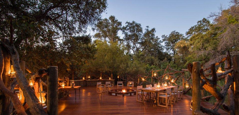 Camp moremi botswana safari boma