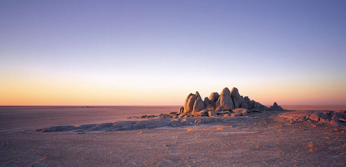 makgadikgadi salt pans botswana safari landscape