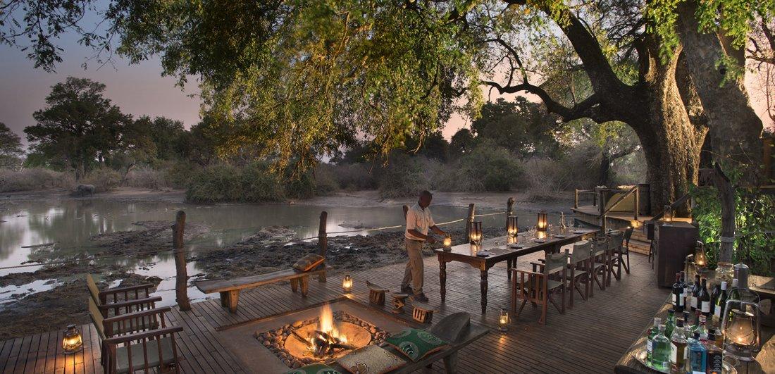 ruckmechi camp dinner luxury accommodation zimbabwe