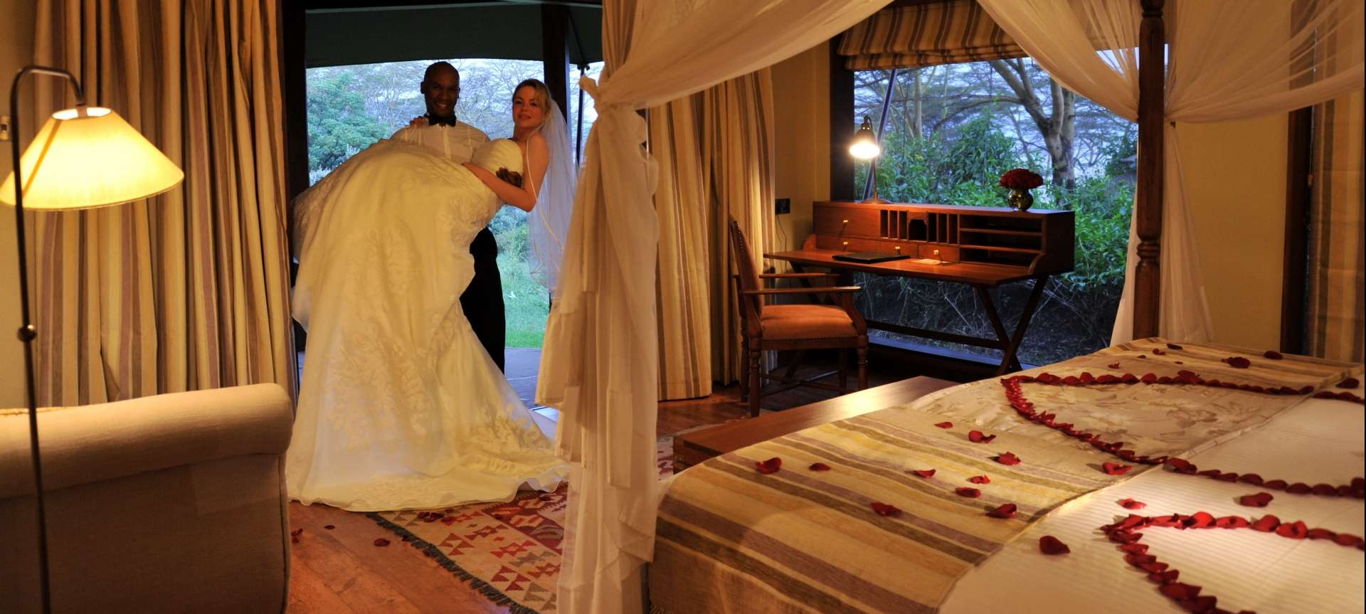 Honeymoons in Africa - Africa Wildlife Safaris