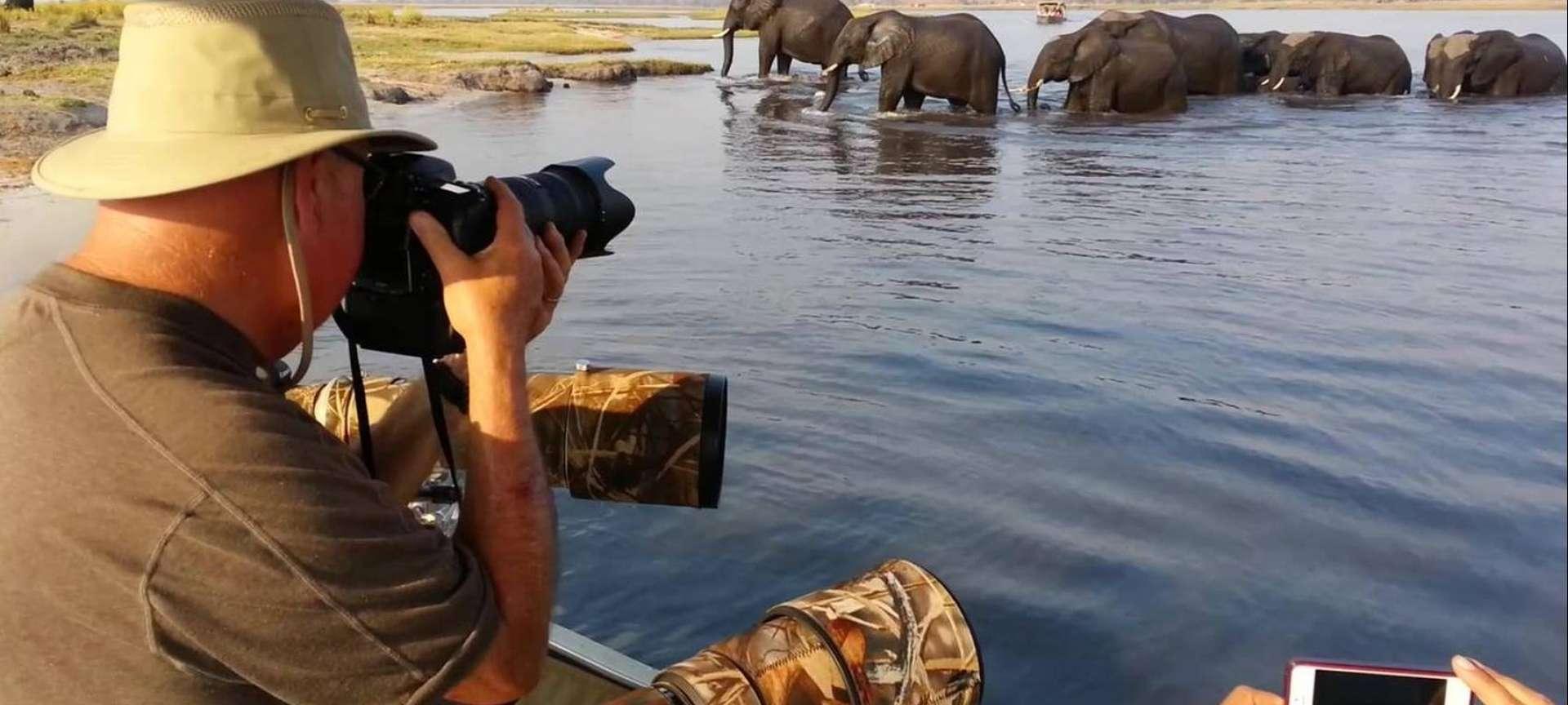 Houseboat safaris in Africa - Africa Wildlife Safaris